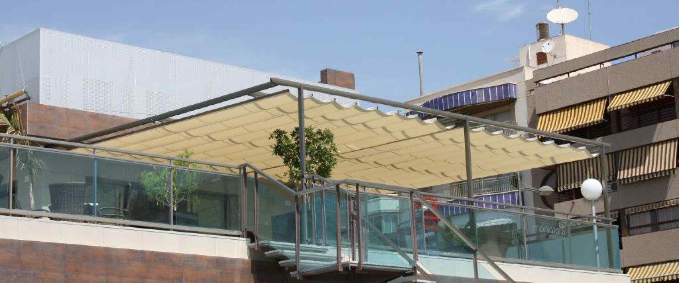 Toldo plano zen torretoldo for Toldos corredizos para terrazas