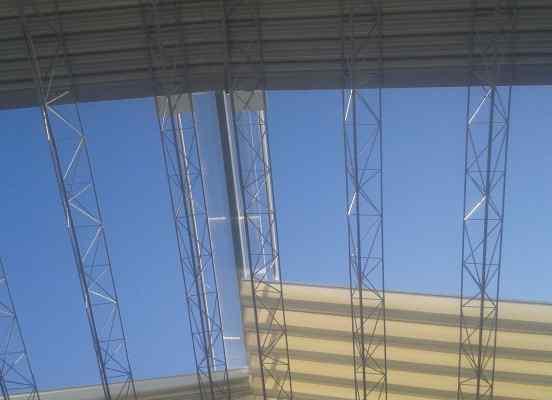 vista techo cubierto con toldo plano palilleria